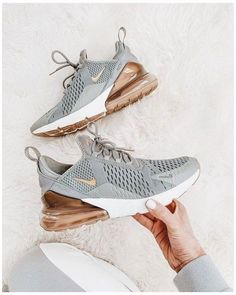 Cute Nike Shoes, Cute Nikes, Cute Sneakers, Nike Air Shoes, Shoes Sneakers, Nike Shoes Outfits, Cheap Cute Shoes, Zumba Shoes, Simple Shoes