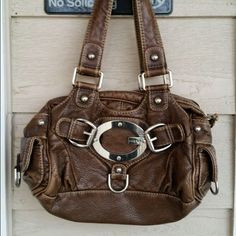 Guess shoulder bag Small guess pleather brown shoulder bag. Great condition Guess Bags Shoulder Bags