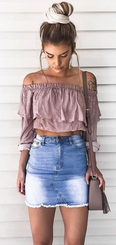 Cool 55 Simple And Modern Denim Skirts Outfits Ideas. More at https://trendfashionist.com/2018/02/12/55-simple-modern-denim-skirts-outfits-ideas/