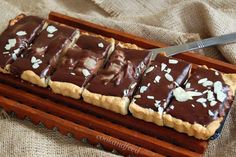 Easy Pear And Chocolate Tart Tart, Waffles, Cookies, Chocolate, Breakfast, Desserts, Recipes, Food, Crack Crackers