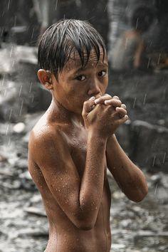 121clicks.comDisadvantaged Children - Photography by Thomas Tham - 121Clicks.com