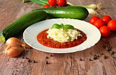 Šmakoun štíhlé nudle s rajčatovo-cuketovou omáčkou na červeném víně Zucchini, Vegetables, Vegetable Recipes, Veggies