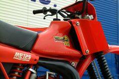 Mugen/ Honda water-cooled radiator and shroud setup. 2 Stroke Dirt Bike, Mx Bikes, Off Road Bikes, Vintage Motocross, Bike Photo, Old Images, Dirtbikes, Honda Cr, Evo