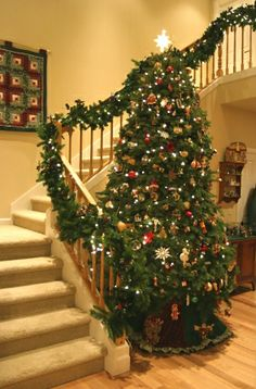 Christmas Staircase Decorations | christmas shopping links christmas trees galore christmas trees ...