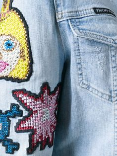 Compre Philipp Plein Jaqueta jeans com aplicações em Julian Fashion from the world's best independent boutiques at farfetch.com. Shop 300 boutiques at one address.