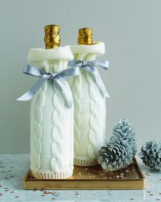 입던 니트 재활용하기 : 네이버 블로그 Diy Christmas Gifts For Family, Christmas Games, Christmas Crafts, Easy Crafts, Diy And Crafts, Handmade Crafts, Knitting Club, Martha Stewart Crafts, Wine Bottle Crafts