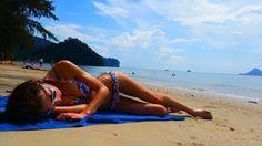 Tajlandia, moja dreamlandia <3   Polecieliśmy do Tajlandii tylko z dwóch powodów. Po pierwsze iostatnie, jest to raj dla kochających GÓRY IMORZE eco-turystów. Ta kombinacja nigdy nie przestanie mnie zadziwiać izawsze będzie moim wyznacznikiem dalszych podróży. Dzikość przyrody ibogactwo świata zwierzęcego w połączeniu zprzemiłymi buddystami, którzy nawet takiemu stworzeniu jak komar