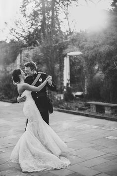 unique-northbrook-park-wedding-photography-louie-shep-1394 - Image by Claudia Rose Carter Photography