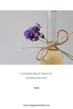 Der Lavendel blüht. Was macht man aber mit den gut duftenden Blüten? Ich zeige euch, wie man ganz einfach leckeren Lavendelsirup selber machen kann! #lavendelsirup #selbstgemacht #homemade #rezept #diy #lavendel #geschenkidee #lecker #bio #hausgemacht Food, Diy Gifts, Home Made, Diy, Recipe, Meal, Eten, Meals