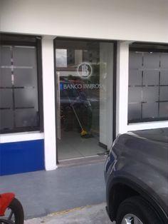 Banco Improsa Sabana Norte Actualización complet de decoración y privacidad de la agencia.  Ver más: www.elementosvisuales.com tel. 2738-0112 wsp. 8703-9302 Four Square, The Office, Norte