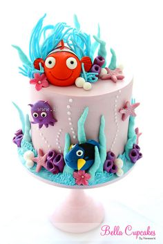 how adorable is this Nemo cake? by Vanessa @ Bella Cupcakes Baby Cakes, Sea Cakes, Cupcake Cakes, Finding Nemo Cake, Strawberry Cream Cakes, Decoration Patisserie, Kolaci I Torte, Novelty Cakes, Occasion Cakes