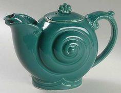 Nautilus teapot by Hall China  <3<3<3