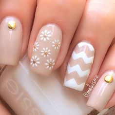 Clear Nail Designs For Short Nails. Nail styles or nail art is a very uncomplicated idea - designs or art utilized to spruce up the finger or toe nails. They are used mostly to enhance an outfit or brighten a day to day look. Simple Nail Art Designs, Best Nail Art Designs, Easy Nail Art, Spring Nail Art, Spring Nails, Summer Nails, Winter Nails, Autumn Nails, Cute Nails
