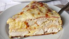 Hearty chicken pie with ham and cheese Ham And Cheese, Quiche, Curry, Food And Drink, Low Carb, Appetizers, Healthy Recipes, Meat, Cooking