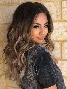 Trendy Hair Highlights : Fantastic Balayage Hair Color Trends & Highlights in 2018 See here the prettiest shades and highlights of blonde balayage hair colors. Balayage is one of those hair colors that are most popular one nowadays. Blonde Balayage Highlights, Hair Color Balayage, Color Highlights, Chunky Highlights, Caramel Highlights, Highlights For Dark Hair, Haircolor, Ombre Hair Color For Brunettes, Curly Balayage Hair