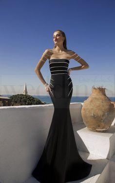 Per una serata speciale a due sensualità e femminilità allo stato puro. Stregata dalla Luna, la nuova collezione di abiti da sera di Galia Lahav Montana. Model n. 1460