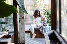 Such a beautiful and inspiring beach home of Rachel Kaye - via Mother Mag