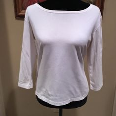 """EVERY BODY NEEDS A GREAT WHITE SHIRT ☁️☁️ * Great word robe staple * bust 20"""" across * length 17"""" Talbots Tops"""