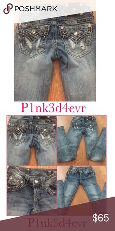 """Miss Me Bootcut Jeans size 23 (00) Super cute Miss Me Jeans in a size 23 or 00. Back pockets feature a faux button and is trimmed in teal and red beading and of course a little Miss Me signature bling. Inseam is approx 31.5"""" Miss Me Jeans Boot Cut"""