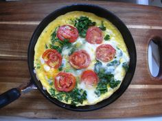 Tomato & Kale Frittata This is an awesome, healthy and super quick recipe my friend whipped up for those of us on the go! Especially college students living on a budget. Doesn't it look amazing? And only 3 main (and clean) ingredients! The Jason's-Bites recipe here.