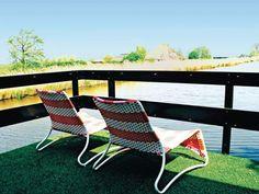 Verbringen Sie Ihren Urlaub in diesem treibenden Ferienhaus in der Nähe von Amsterdam. #Hausboot #travel #Urlaub #holidays #Ferienwohnung #summer #imUrlaubwiezuhausefühlen
