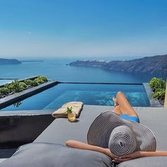 Imerovigli | Santorini Photo from @luxuryworldtraveler! #santorini #imerovigli #pool