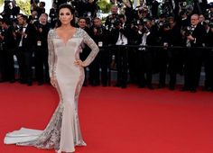 Eva Longoria reveals her best fashion secrets: From her must-have items to her smart closet trick