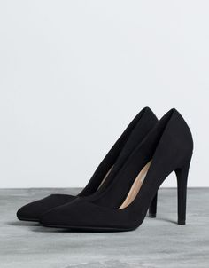 Black Heel Boots, Shoes Heels Boots, Black Heels, Heeled Boots, High Heels, All Nike Shoes, Crazy Shoes, Fashion Heels, Sneakers Fashion