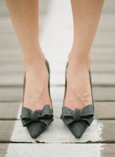 Gray kitten heels with wool bows Manolo Blahnik Pretty Shoes, Cute Shoes, Me Too Shoes, Grey Heels, Bow Heels, Shoes Heels, Manolo Blahnik Heels, Pumps, Wedding Shoes