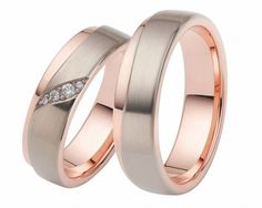 TRAURINGE AUS ROSÉGOLD & PALLADIUM, EHERINGE BICOLOR, RINGE MIT GRAVUR Engagement Rings Couple, Couple Rings, His And Her Wedding Rings, Ring Rosegold, Wedding Accessories, Rose Gold, Or Rose, Wedding Bands, Jewelery