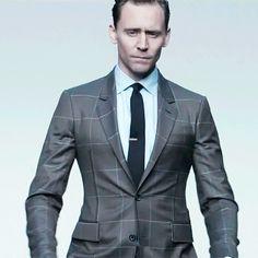 Tom Hiddleston 2017: Fashion. Video: http://maryxglz.tumblr.com/post/169146921276/tom-hiddleston-2017-fashion #TOMpocalypse2017