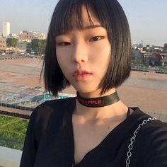 10 Ideias de corte de cabelo inspirados nas coreanas Hair Inspo, Hair Inspiration, Pretty People, Beautiful People, Shot Hair Styles, Asian Makeup, Aesthetic Hair, Tips Belleza, Girls Makeup