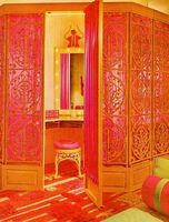 Pink and orange dressing room from The Practical Encyclopedia of Good Decorating and Home Improvement. Very warm looking. Do It Yourself Design, Interior And Exterior, Interior Design, Interior Decorating, Decorating Ideas, Vanity Room, Vanity Area, Bedroom Orange, Deco Boheme