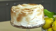 Lemon drizzle with mascarpone filling and meringue