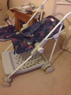 Maclaren Superdreamer 2 in 1 cot / pram with all accessories Pram Stroller, Baby Strollers, Best Prams, Vintage High Chairs, Baby Transport, Vintage Pram, Prams And Pushchairs, T Baby, Mamas And Papas