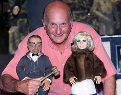 Gerry Anderson The British director behind puppet TV shows Thunderbirds, Stingray and Captain Scarlet died aged 83 Science Fiction, Joe 90, Thunderbirds Are Go, Star Trek Original Series, Vintage Television, Cult, Animation, Vintage Tv, Anos 60