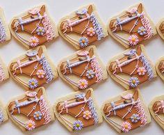 #horsecookies #cookies #customcookies #sugarcookie #decoratedcookies #cookieart #horsetheme