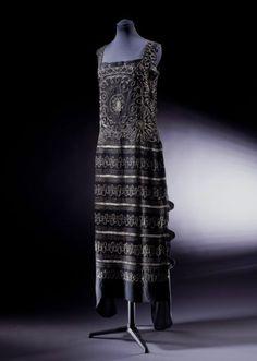 Evening Dress Coco Chanel, 1922 The Victoria & Albert Museum