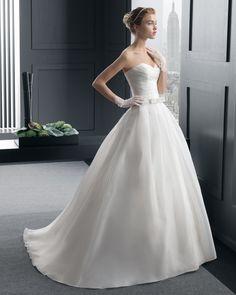 Dathybridal #現代のハートカット ホール ボールガウン 花嫁のドレス #ウェディングドレス Hro0143