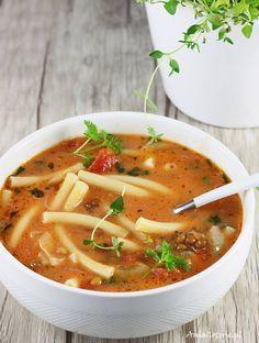 Zupa z soczewicy. Soup Recipes, Vegan Recipes, Cooking Recipes, Czech Recipes, Ethnic Recipes, Soup Dish, Healthy Recepies, Good Food, Yummy Food