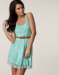 Color lace with a thin belt. Cuter than cute. -AJH