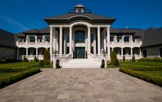 TuLyons – A 41,000 Square Foot Canadian Mega Mansion « Homes of the Rich – The Web's #1 Luxury Real Estate Blog