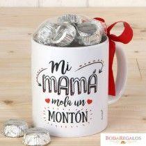 Taza cerámica Mi Mamá Mola en caja regalo 6bombones Taza de porcelana de alta calidad decorada con bonita frase dirigida a las mamás. Soporta tanto el frío como el calor. Ideal como regalo.  #diadelamadre2017    #diadelamadre2017españa #diadelamadreregalos #ideasregalomadre