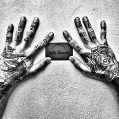 Tatto hands #hipsterlife #beardstyle #rihannanavy #anti by k_fz