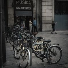 Two romantic themes: bikes and music (and 2) | por Jaume Taulats