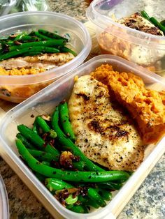 My go-to meal for bodybuilding, and training in general. Garlic grilled chicken, mashed sweet potatoes and green beans with toasted almonds. Easy to count macros