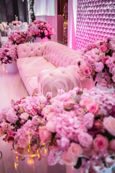 Here is different shades of pink. My favourite colour is pink. I like different shades of pink. It is also a relaxing colour in my opinion. Vintage Pink, Tout Rose, Rose Fuchsia, Magenta, Estilo Shabby Chic, I Believe In Pink, Pink Room, Everything Pink, Color Rosa