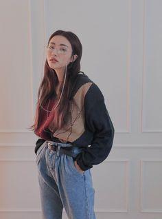 6 Prodigious Spring Fashion Tips Astonishing Ideas.Simple Fashion Tips Korean Girl Fashion, Ulzzang Fashion, Korean Street Fashion, Asian Fashion, Look Fashion, Fashion Outfits, Spring Fashion, Fashion Tips, Hipster Outfits