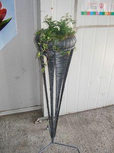 Voorbeeldkaart - plantenbak op standaard - ((fietsbanden))