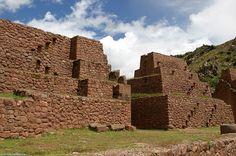 El complejo arqueológico de Piquillacta o Piki Llapta es un yacimiento arqueológico conformado por los restos de una ciudad del Antiguo Perú, de la época preincaica. Está ubicado en el distrito de Lucre, provincia de Quispicanchi, departamento del Cuzco.